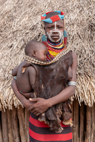 Kara woman with child Ethiopia